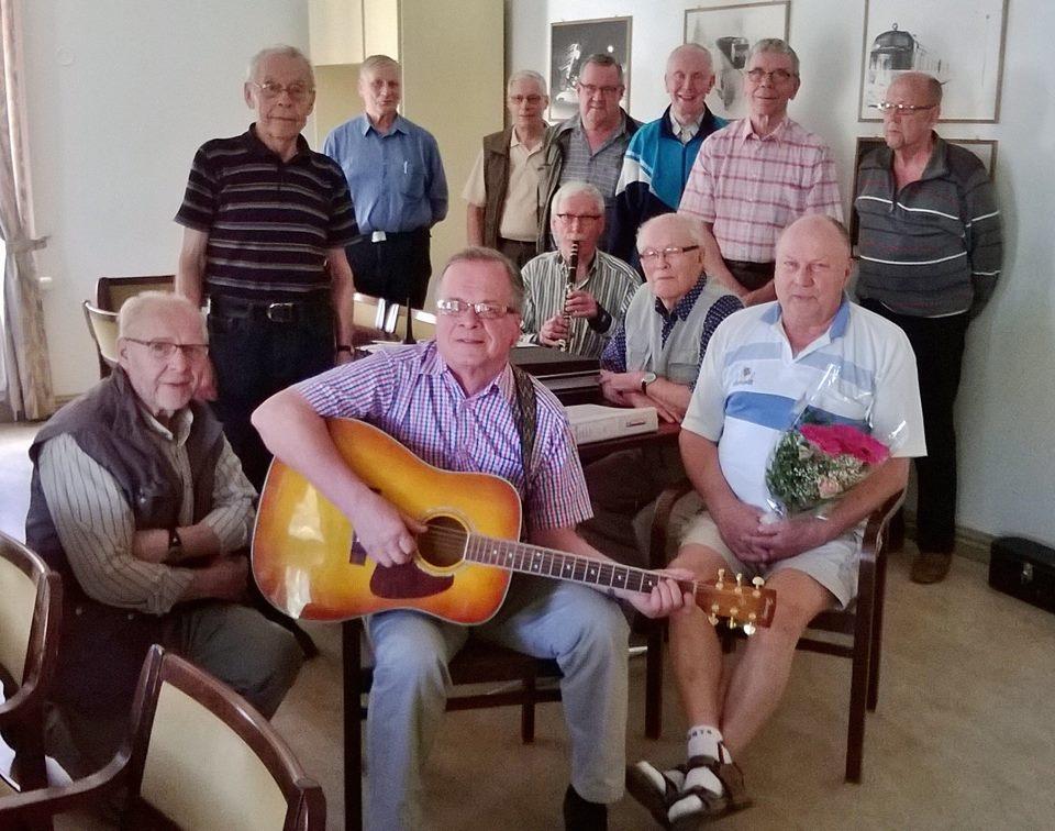kouvolan miehet laulelee 2016
