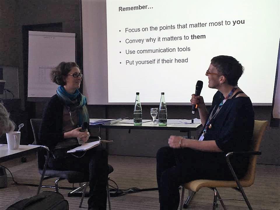 Harjoitus: Miten selittää ESMO:n MCBS-skaala maallikolle? Kuvaajana Bettina Ryll