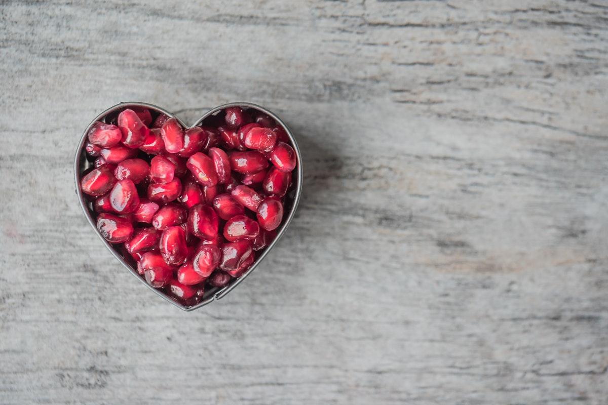 harmaa pinta granaatinomena siemen sydän punainen