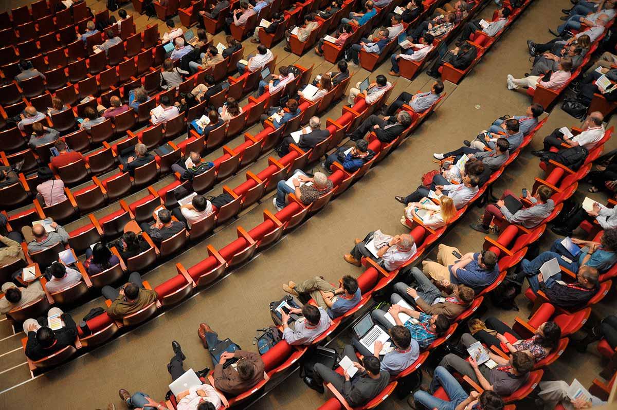 konferenssi, auditorio